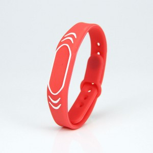 Adjustable RFID Silicone Debossed Wristbands For Events